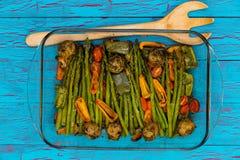 Блюдо очень вкусных закалённых свежих овощей жаркого стоковое изображение rf