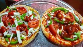 Богатая пицца перед печь или варить Стоковая Фотография RF