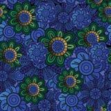 Богато украшенная флористическая темная безшовная картина с цветками Стоковое Изображение