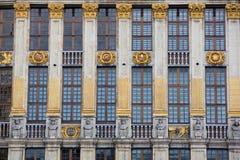 Богато украшенное здание грандиозного места в Брюсселе Стоковое Изображение RF
