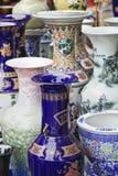 Богато украшенные вазы на китайском рынке Стоковые Фото