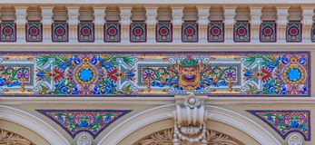 Богато украшенные изобразительные искусства вводят детали в моду известного большого казино или казино Монте-Карло в Монако на Ме стоковое изображение rf