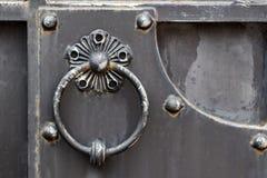 Богато украшенные чугунные элементы украшения строба металла стоковое изображение