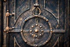 Богато украшенные чугунные элементы украшения строба металла стоковое изображение rf