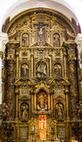 Богато украшенный алтар в церков Кадиса стоковые фото