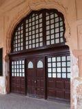 богато украшенный входа старое стоковые фотографии rf