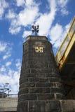 Богато украшенный штендер моста Роберто Clemente в Питтсбург, Пенсильвании стоковые фотографии rf