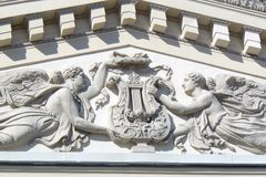 2 богини держа лиру Стоковое Фото