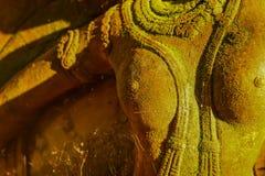 Богиня штукатурки священная с зеленым мхом Стоковое Изображение