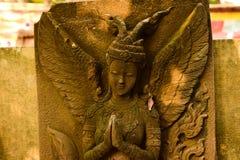 Богиня штукатурки священная с зеленым мхом Стоковое Изображение RF