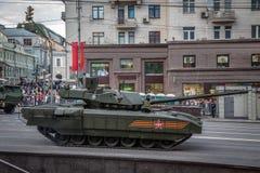 Боевой танк Armata T-14 главный русский Стоковая Фотография