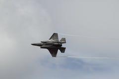 Боец скрытности F-35 на дисплее Стоковое Изображение RF