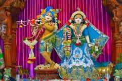 Божества mandir ISKCON Aravade Shree Radha Gopal, Tasgaon около Sangli, махарастры стоковые изображения