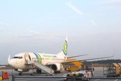 Боинг 737 компании хартии Transavia, Эйндховена стоковое фото rf