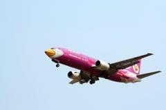 Боинг 737-400, nokair стоковые фото