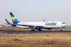 Боинг 767-300ER авиакомпании кондора Стоковое фото RF