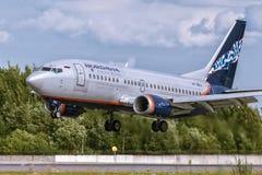 Боинг 737-500 VP-BKU Nordavia - региональные авиакомпании Стоковые Фото