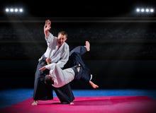 Бойцы боевых искусств на зале спорт Стоковые Изображения
