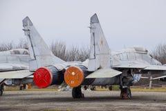 Бойцы военного самолета на авиапорте Старые decommissioned воздушные судн Авиаполе Краснодара Стоковое Изображение RF