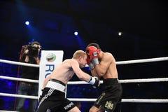 Бой бокса ранжировки в дворце спорта Стоковая Фотография
