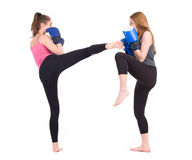 Бой девушек Kickboxing стоковые фотографии rf