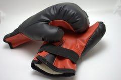Бой резвится красные перчатки бокса Стоковые Изображения