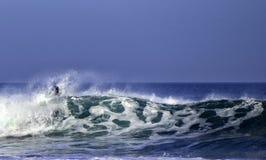 Бой с волнами стоковые фотографии rf