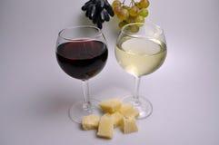 Бокал вина на белой предпосылке стоковое фото