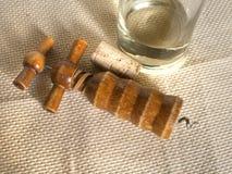 Бокал вина, штопор и пробочка Стоковые Фото