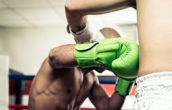 2 боксера смотря на на кольце Стоковое фото RF