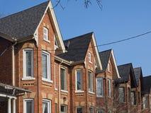 Более старые городские дома с щипцами Стоковые Фото