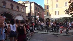 Болонья, Италия - 1-ое июля 2018: Парад гей-парада в ` s болонья городском