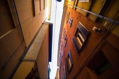 БОЛОНЬЯ, ИТАЛИЯ - октябрь 2017: Улицы города болонья, прописных и самых больших области эмилия-Романьи в северной Италии Стоковые Фото