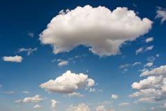 большая белизна облака Стоковые Изображения