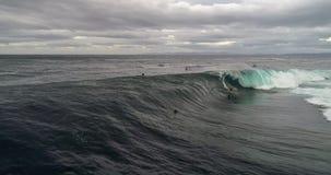 большая волна серфера стоковое фото