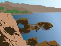 большая горная вершина над панорамным взглядом моря Стоковые Фотографии RF
