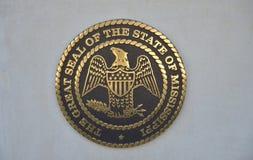 Большая государственная печать Миссиссипи на бетоне стоковое фото