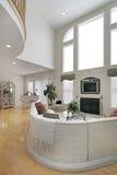 большая живущая белизна комнаты Стоковое Фото