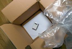Большая коробка карты и маленький пакет стоковые изображения rf