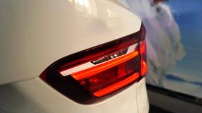 Большая красная фара диода современного экстерьера автомобиля стоковая фотография rf