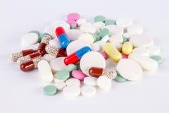 Большая куча таблеток и пилюлек и капсулы Стоковое Фото