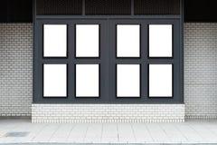 Большая пустая афиша на стене улицы, знамена с комнатой добавить стоковое изображение rf