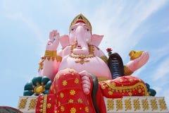 Большая розовая статуя ganesh в wat Prongarkat на Chachoengsao Таиланде Стоковое Изображение RF