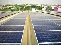 Большая солнечная предпосылка висячего моста системы крыши PV Стоковое Фото