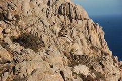 Большая стена гранита которая формирует гору Стоковые Изображения RF