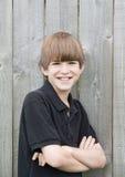 большая усмешка мальчика подростковая Стоковое Фото
