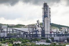 Большая фабрика цемента Завод цемента Nizhnebakansky Стоковая Фотография
