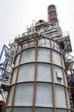 Большая химическая емкость, нефтеперерабатывающее предприятие стоковая фотография rf