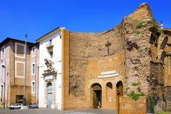 Большая церковь в центре Рим, Италии стоковые фото
