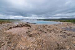 Большее Geysir в Исландии стоковое изображение
